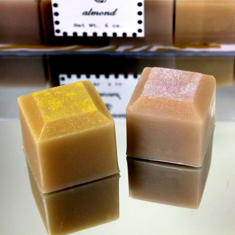 All Natural Handmade Tahitian Vanilla & Almond Diva Soaps